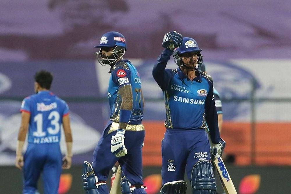 In the 27th match of the Indian Premier League (IPL) 2020, Mumbai Indians (MI) beat Delhi Capitals (DC) by 5 wickets at Sheikh Zayed Stadium in Abu Dhabi. Quinton de Kock and Suryakumar Yadav's brilliant partnership helped MI in chasing down the target of 163 runs given by the DC tonight. With the help of Shikhar Dhawan's undefeated knock of 69 runs off 52 balls, the DC had set the target of 163 runs for the MI to chase. With tonight's win against the Delhi Capitals, the Mumbai Indians are now at the top of the points table of IPL 2020. Whereas, the Delhi Capitals sit comfortably at the 2nd position in the points table.