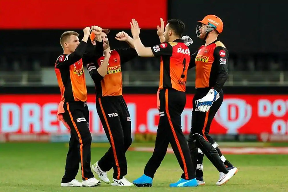 In the 14th match of the Indian Premier League (IPL) 2020, Sunrisers Hyderabad (SRH) beat  Chennai Super Kings (CSK) by 7 runs at Dubai International Cricket Stadium. Aided by youngster Priyam Garg's impressive innings of 51 runs off 26 balls, SRH gave an average of 165 runs for the CSK to chase. While the top batting line-up of the CSK failed tonight, Dhoni and Jadeja's partnership couldn't help CSK chase down an achievable tonight.