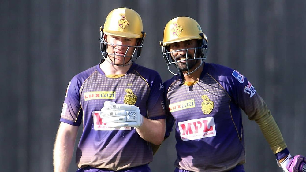 Skipper David Warner won the toss and elected to field first, allowing for the slow partnership of openers Shubhman Gill and Rahul Tripathi for the KKR to start. While Gill played slow innings of 36 runs off 37 balls, the Rahul Tripathi lost his wicket after making 23 runs off 16 balls today. After the fall of the opening duo, Nitish Rana and Andre Russell came to the crease, with the former scoring 29 runs off 20 balls, while the latter scoring just 9 runs off 11 balls today. After their wickets, while KKR was in deep trouble with a low score on the board, skipper Eoin Morgan and former captain Dinesh Karthik saved the day for the KKR with their explosive partnership in the death overs. While Morgan lost his wicket after making 34 runs off 23 balls, Karthik remained undefeated with his quick cameo of 29 runs off 14 balls. Thangarasu Natrajan remained the most successful bowler for the SRH, with him grabbing 2 crucial wickets today. However, Vijay Shankar was the most economical bowler in his spell of 4 overs while also taking a wicket today.