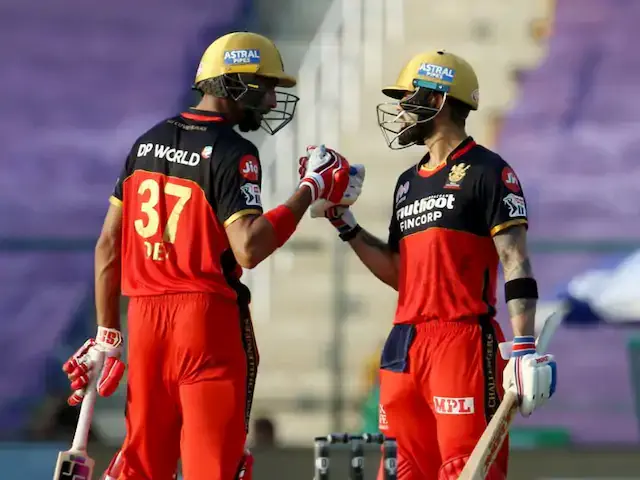 In the 15th match of the Indian Premier League (IPL) 2020, Royal Challengers Bangalore (RCB) grabs an easy win against Rajasthan Royals (RR) as they chase down an average target of 155 runs at Sheikh Zayed Stadium in Abu Dhabi. Rajasthan Royals, by the end of 20 overs, gave a low target of 155 runs for the RCB to chase. RR's young blood Mahipal Lomror impressed everyone today with the bat as he made 47 runs for his team. The RCB bowlers had a great day, as they limited the batting line-up of Rajasthan Royals to a low score. Aided by Devdutt Padikkal and Virat Kohli's 100+ runs partnership, RCB chased down the target of 155 runs with ease. Youngster Padikkal's performance today has been phenomenal, with his brilliant knock of 63 runs off 45 balls. After sublime performances in the past matches of the 13th edition of IPL, Virat Kohli shut his critics with his superb knock of 72 runs off 53 balls.