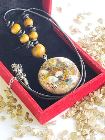 Mix Gem Ocean Bed - Sea Shell Disk Quartz Orgonite Quartz Crystal Reiki Pendant Shungite And Copper Necklace