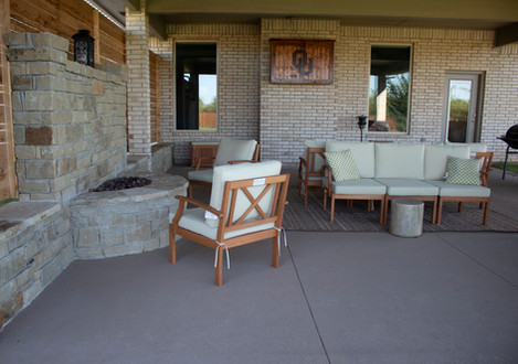Custom Fire Pits & Fireplaces by Red Valley Landscape & Construction in Briarcliff, Texas