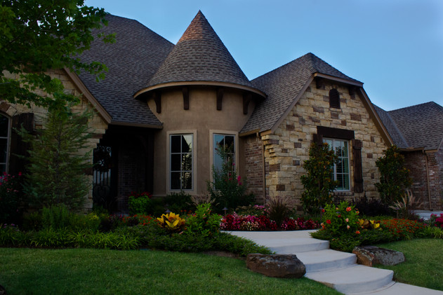 Residential Landscape Maintenance by Red Valley Landscape & Construction in OKC Metro