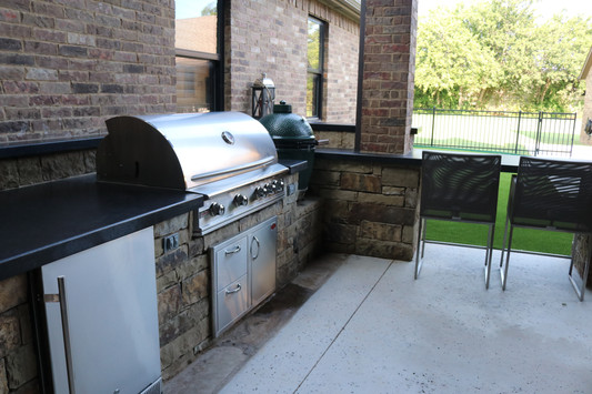 Custom Outdoor Kitchen by Red Valley Landscape & Construction in OKC