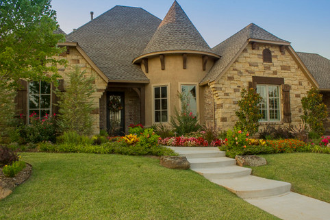 Residential Landscape Maintenance by Red Valley Landscape & Construction in Yukon, Ok