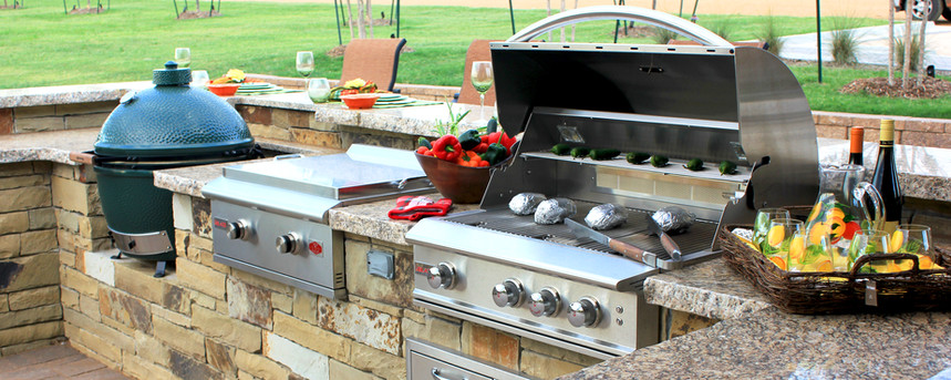 Custom Outdoor Kitchen by Red Valley Landscape & Construction in North Austin, TX