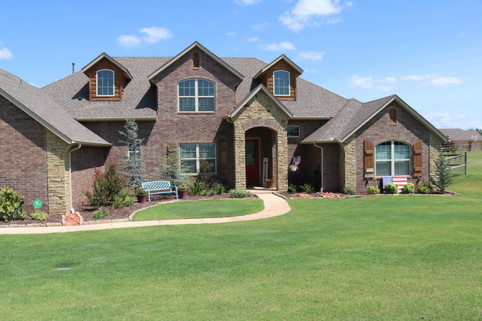 Residential Landscape Maintenance by Red Valley Landscape & Construction in Enid, Ok