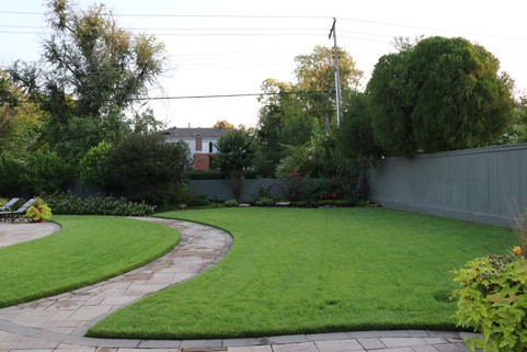 Residential Landscape Maintenance by Red Valley Landscape & Construction in Nichols Hills