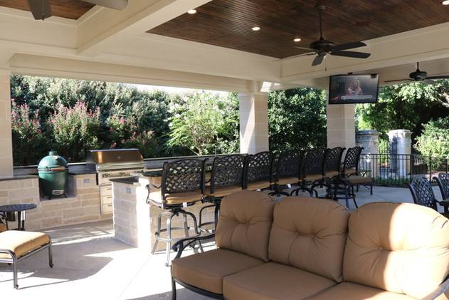 Custom Outdoor Kitchen by Red Valley Landscape & Construction in North Austin,Texas