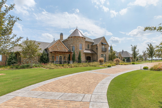 Residential Landscape Maintenance by Red Valley Landscape & Construction