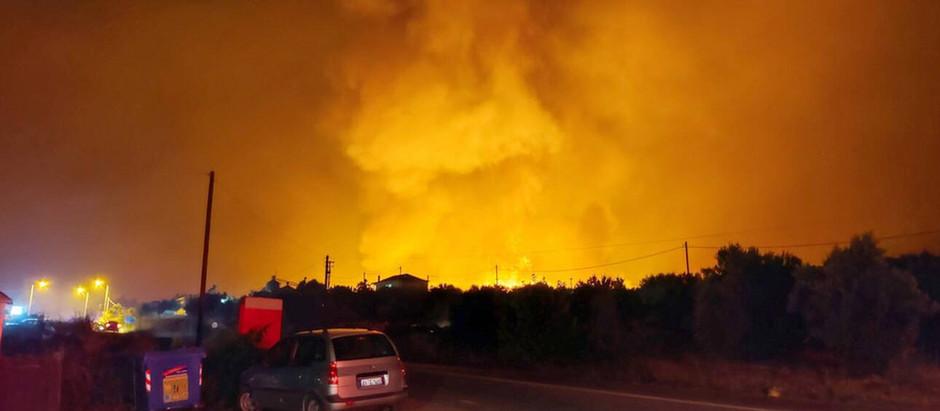 Φωτιά στην Εύβοια: Στις φλόγες έχουν παραδοθεί χωριά - Ανεξέλεγκτα μαίνονται τρία μέτωπα