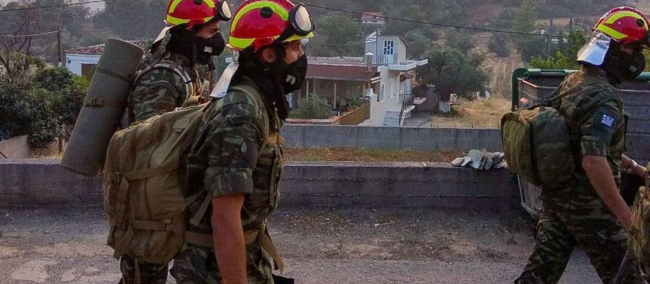 Φωτιά Βαρυμπόμπη: Σε μέγιστη ετοιμότητα οι Ένοπλες Δυνάμεις