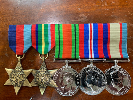 Court Mounting Versus Swing Mounting for Military Medals