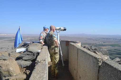 UN observing Syrian border.jpg