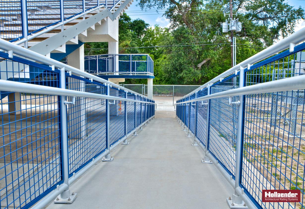 railing_with_panels.jpg