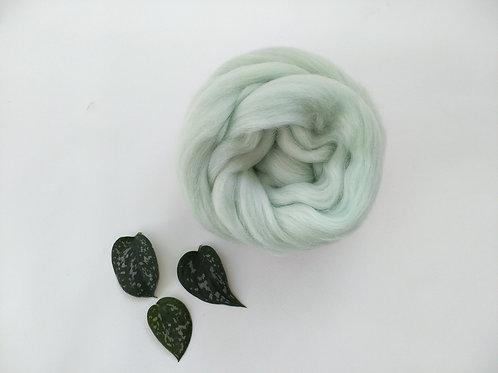 Mint Merino wool roving
