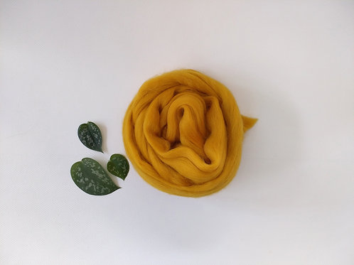 Mustard Merino wool roving top