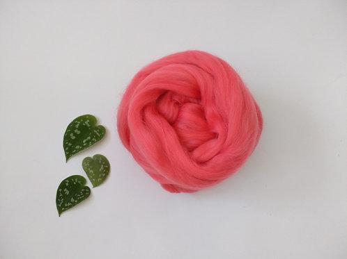 Coral Merino wool roving top