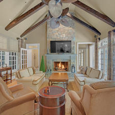 Two Story Family Room, Vaulted Ceilngs