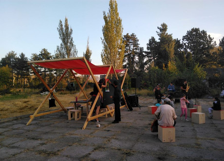 """Катарина Штадлер, Торнике Асабашвили (Грузия) """"Дискурсивная общественная платформа"""""""