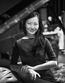 複製 -Porträt Hsin-Huei Huang 2  web ©Andrej Grilc 300 dpi.jpg