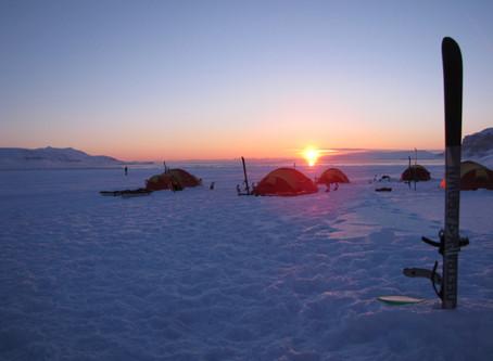 Une nuit sous tente par -27°C | Welcome to Spitzberg 78° Nord