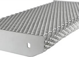 Escalón Plegado 250x70x1000 E. 3.2mm