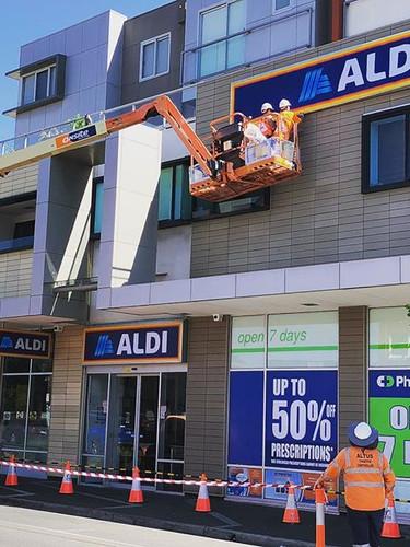 ALDI Bentleigh Signage Installation.jpg