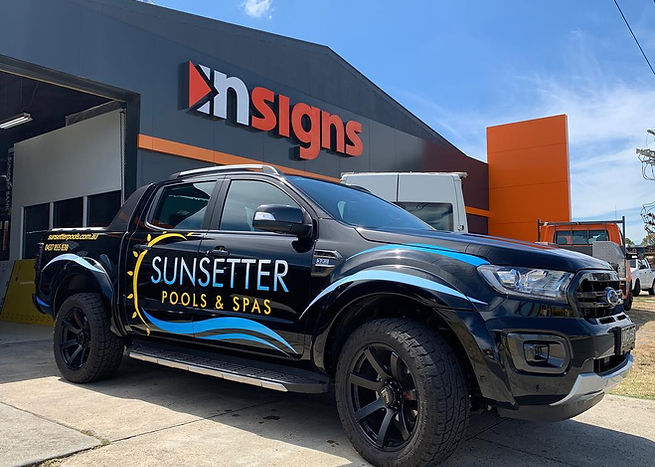 Sunsetter Pools Vehicle Signsge Melbourn