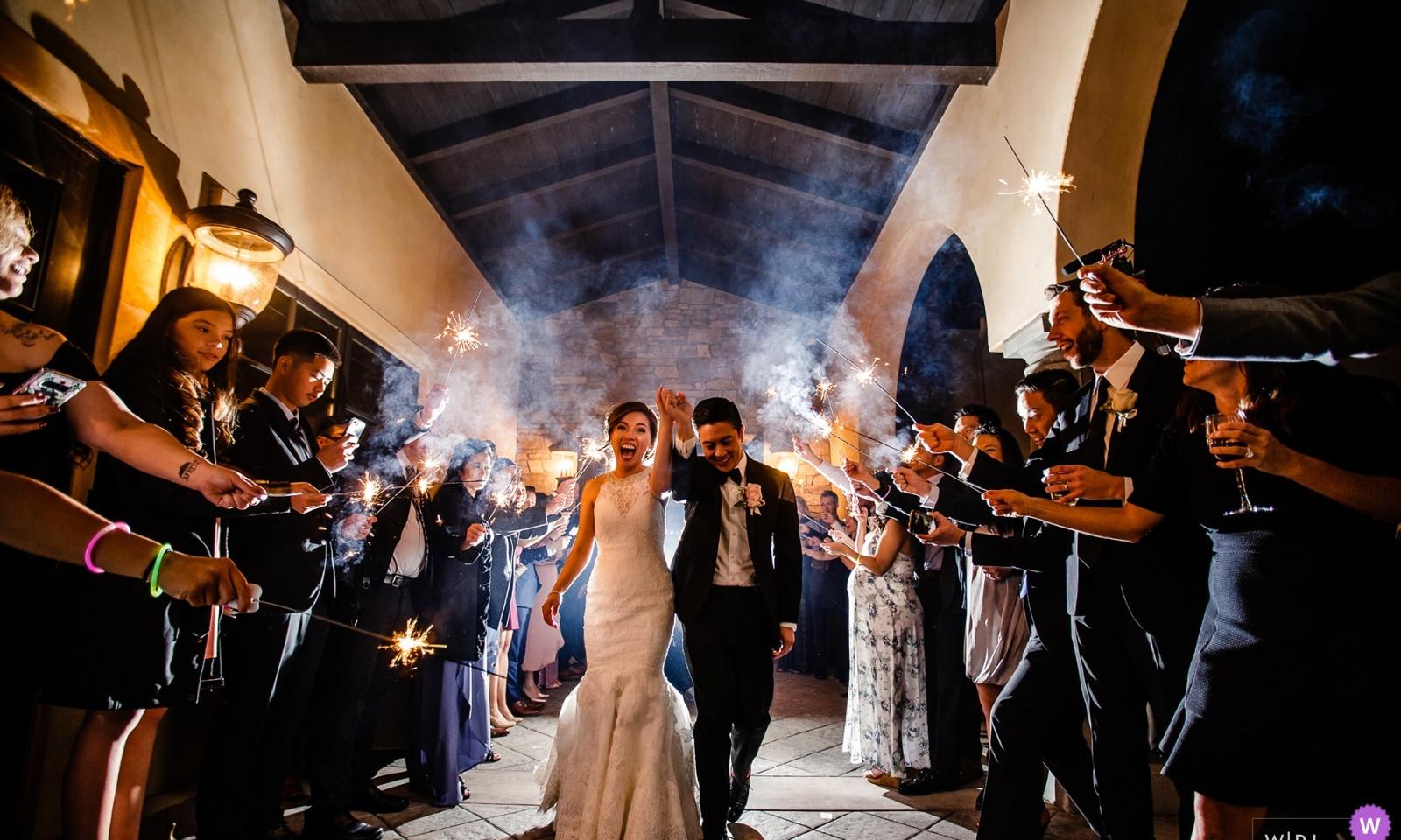 wedding-photographer-2462561.jpg