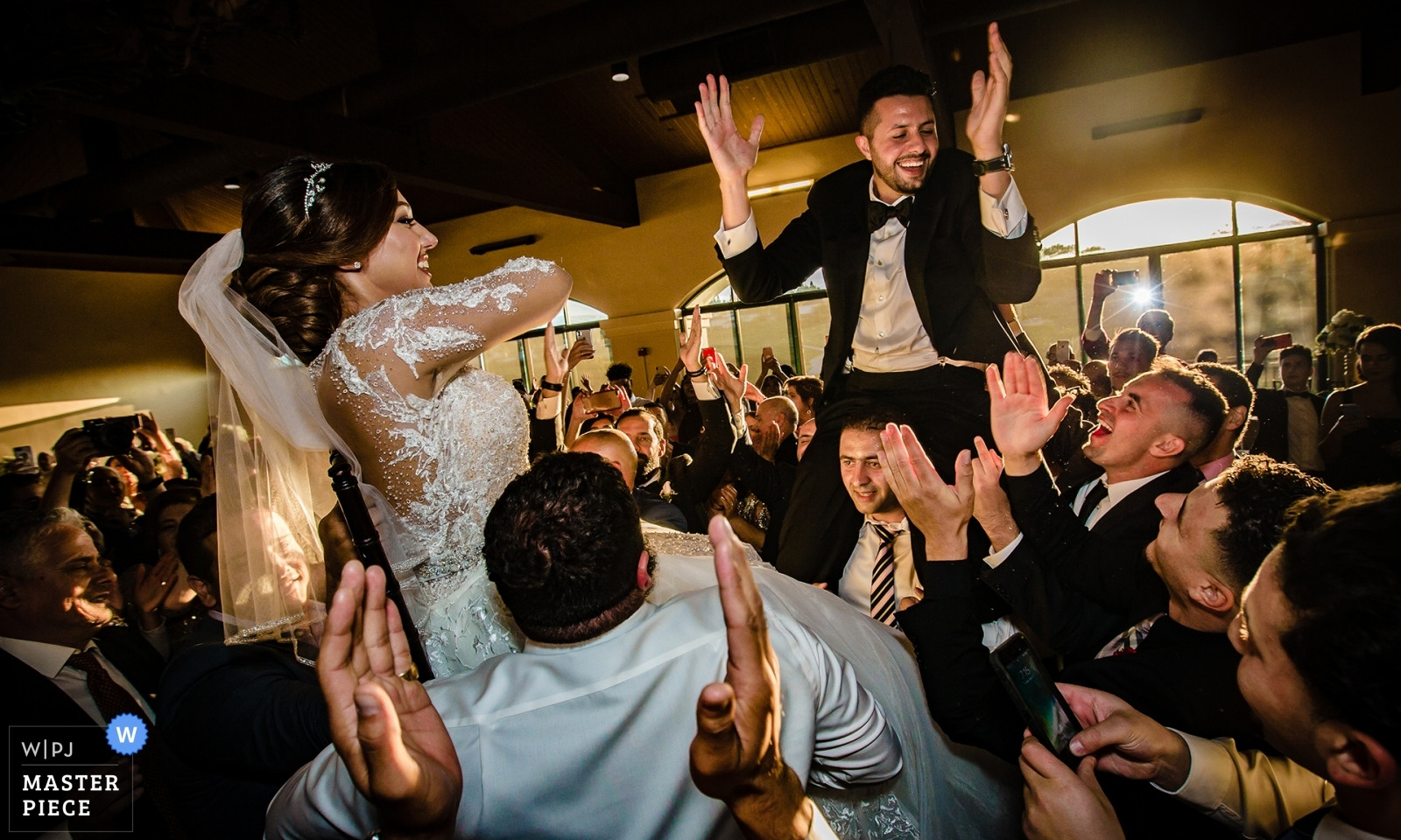 wedding-photographer-2451781.jpg