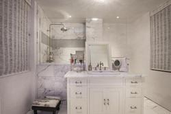 Bathroom 4005