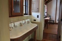 Bathroom 4009