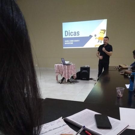 Curso formação de jovens palestrantes.jpg