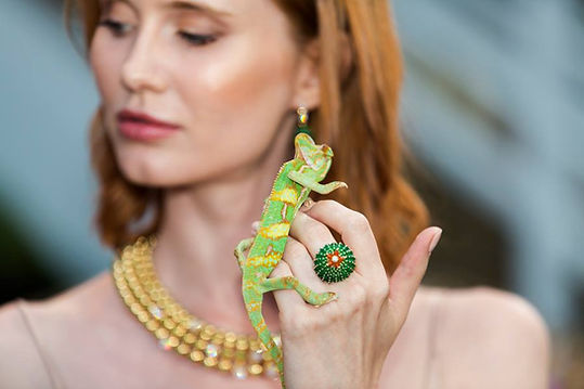 CARTIER COLLECTION CACTUS  DIRECTION DU MOUVEMENT ET CASTING JULIEN GAILLAC ET AXELLE LAGIER  INTERPRÈTES MAGALI LANGE, MÉLANIE LANGE, IZA OLAK ET MANOUK KROES  PRODUCTION HOPSCOTCH LUXE   ​  CANNES, MONACO  2017
