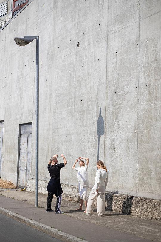 TIME FOR LOVE FILM  RÉALISATIONAUDREY+WANDY  DIRECTION ARTISTIQUEBUREAUBADASS  DIRECTION DU MOUVEMENT ET CASTINGJULIEN GAILLAC  INTERPRÈTESEVA ASSAYAS ETANNA KONOPSKA