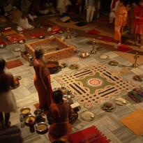 """Formation de professeurs Sivananda, Vrindavan, Inde, Sébastien """"Ganesha"""" Cierco - Cérémonie du feu, Oma"""