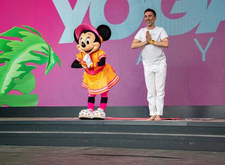 """Alors, c'est comment de travailler """"Chez Disney"""" ? INTERNATIONAL YOGA DAY 2019 à Disneyland Paris"""