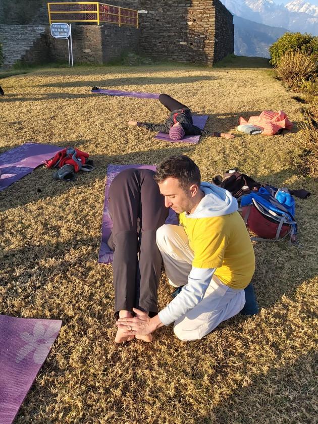 """Corriger et ajuster... Yoga face à l'Himalaya avec Sébastien """"Ganesha"""" Yoga"""