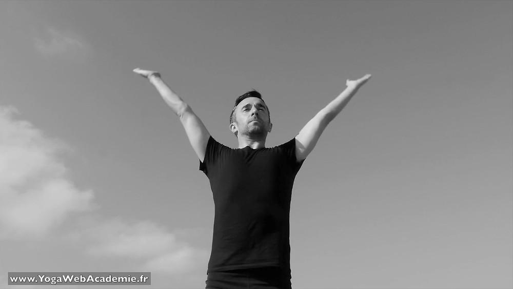 Le Yoga et le mouvement : La Salutation au Soleil