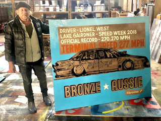 David Bromley Paints Bronze Aussie