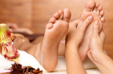 Benefits-Of-Using-A-Good-Foot-Cream-Whil
