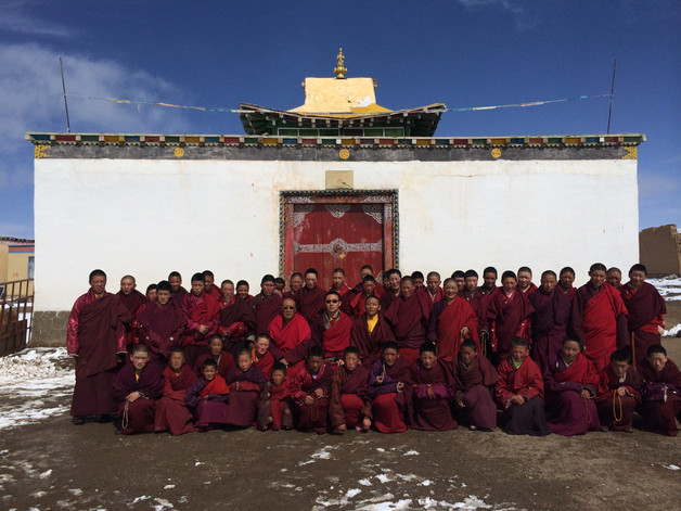 Jowo monastery nuns.JPG
