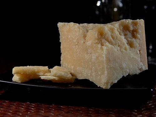 parmesan-3523_640.jpg