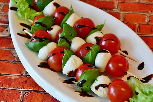 tomato-mozzarella-2367016_1280.jpg