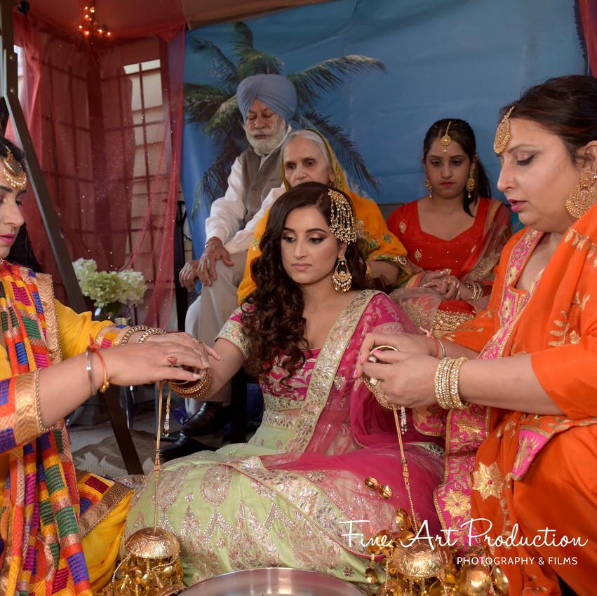 Indian-Wedding-Sangeet-Deewan-Fine-Art-Production_28