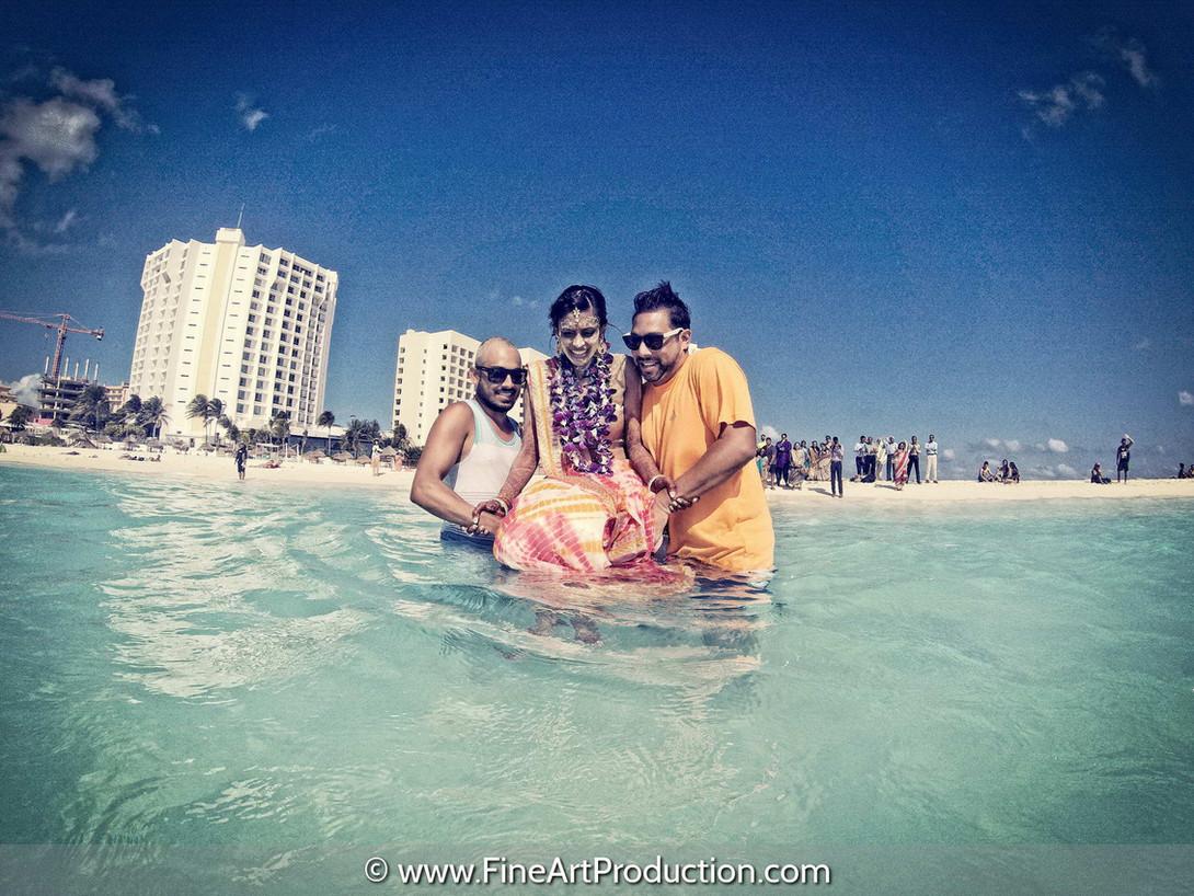 underwater-wedding-pictures
