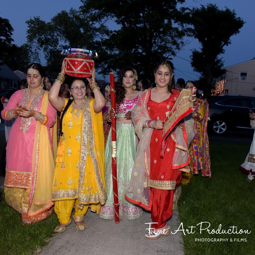 Indian-Wedding-Sangeet-Deewan-Fine-Art-Production_31