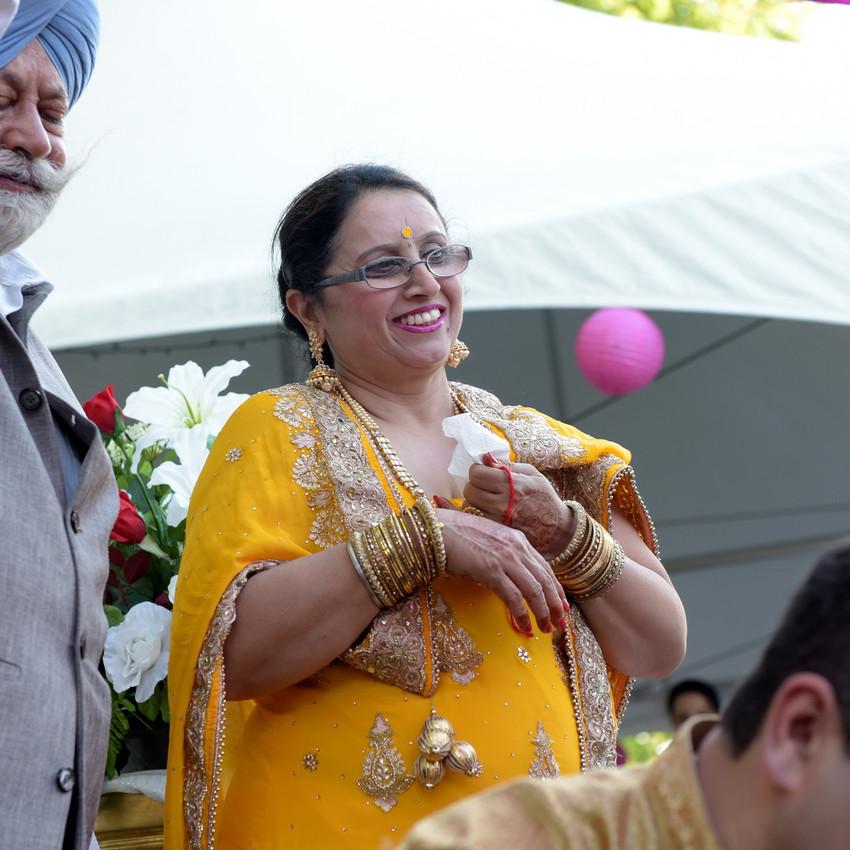 Indian-Wedding-Sangeet-Deewan-Fine-Art-Production_23