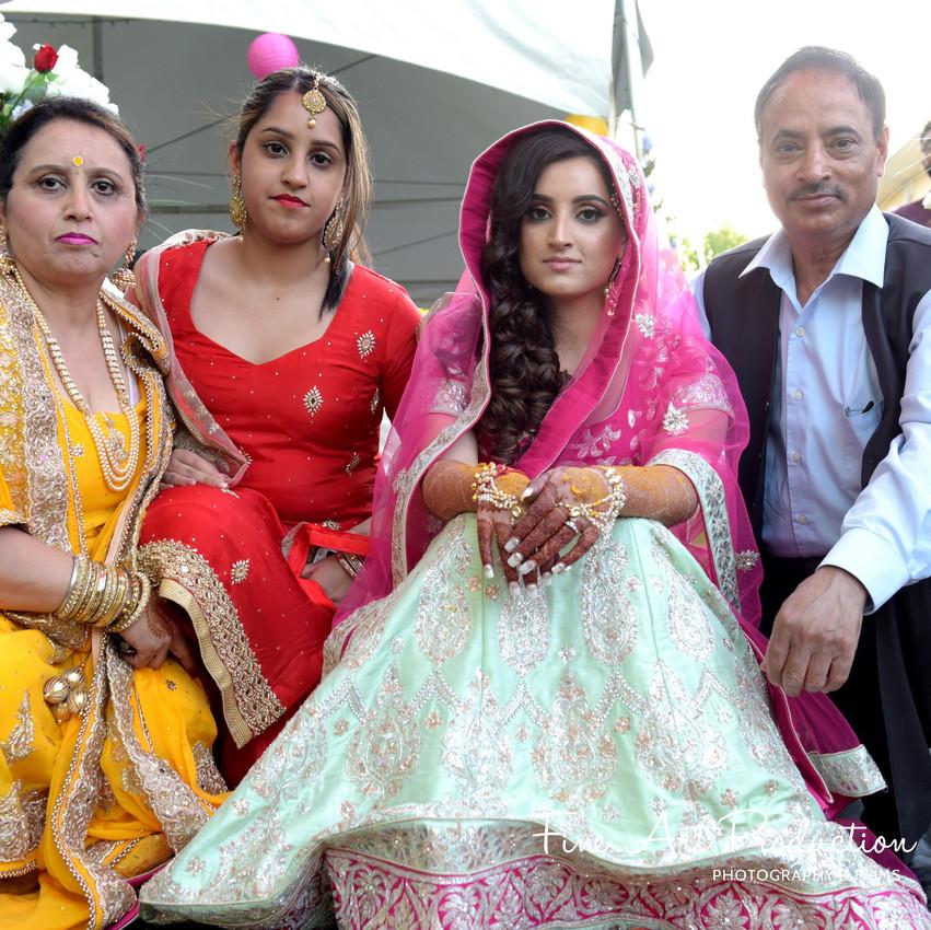 Indian-Wedding-Sangeet-Deewan-Fine-Art-Production_24